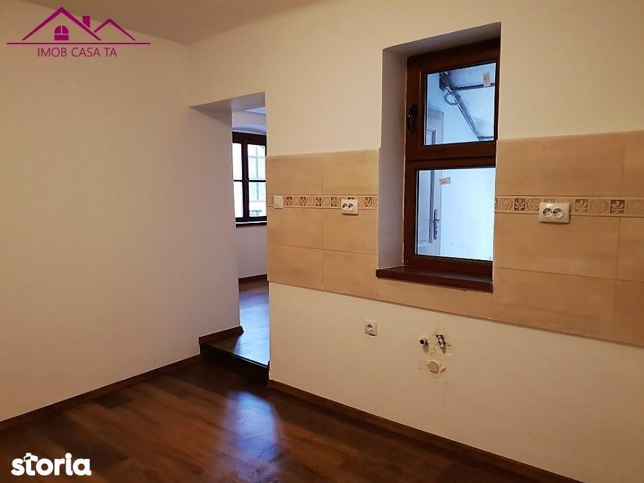 Apartament de vanzare, Sibiu (judet), Orasul de Jos - Foto 2