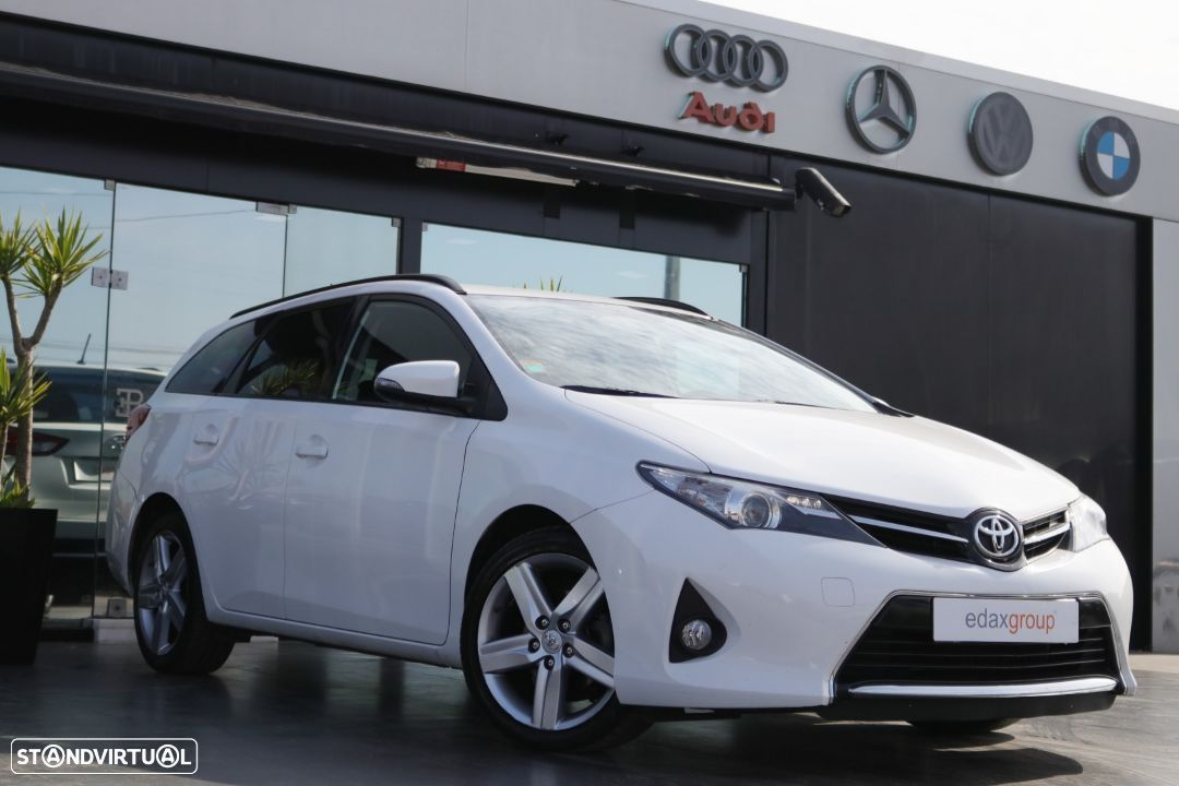 Toyota Auris Touring Sports 1.4 D-4D EXCLUSIV - 1