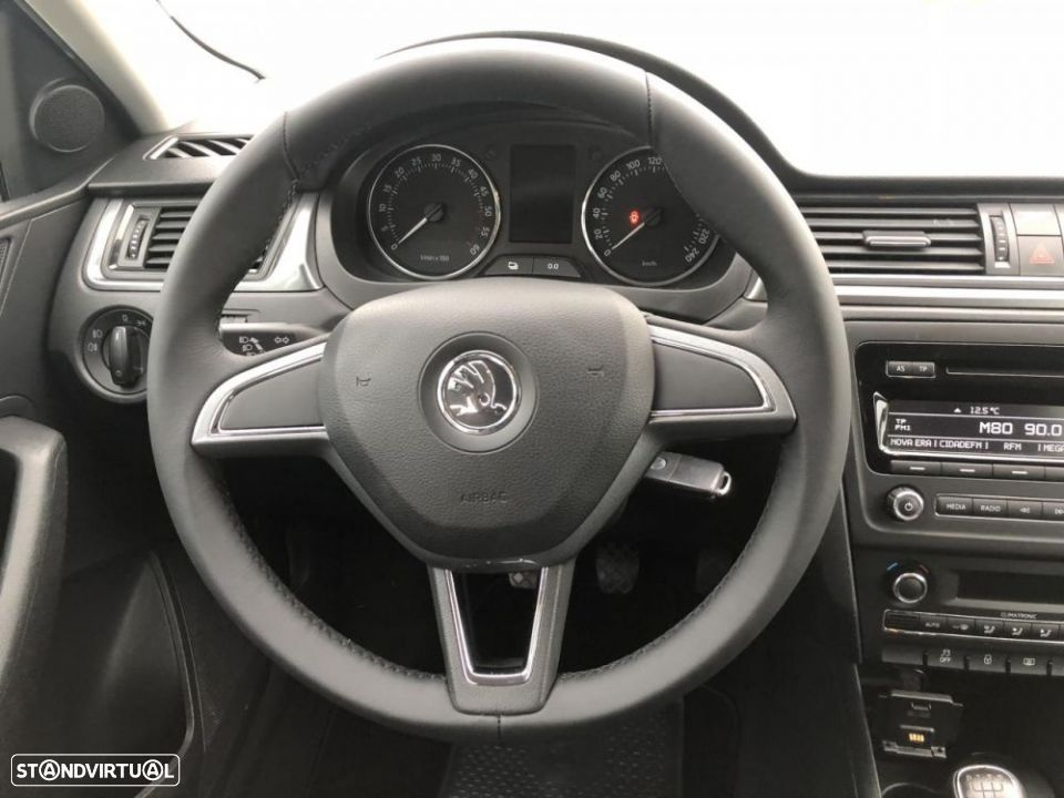 Skoda Rapid Spaceback 1.6 TDi Ambition - 27