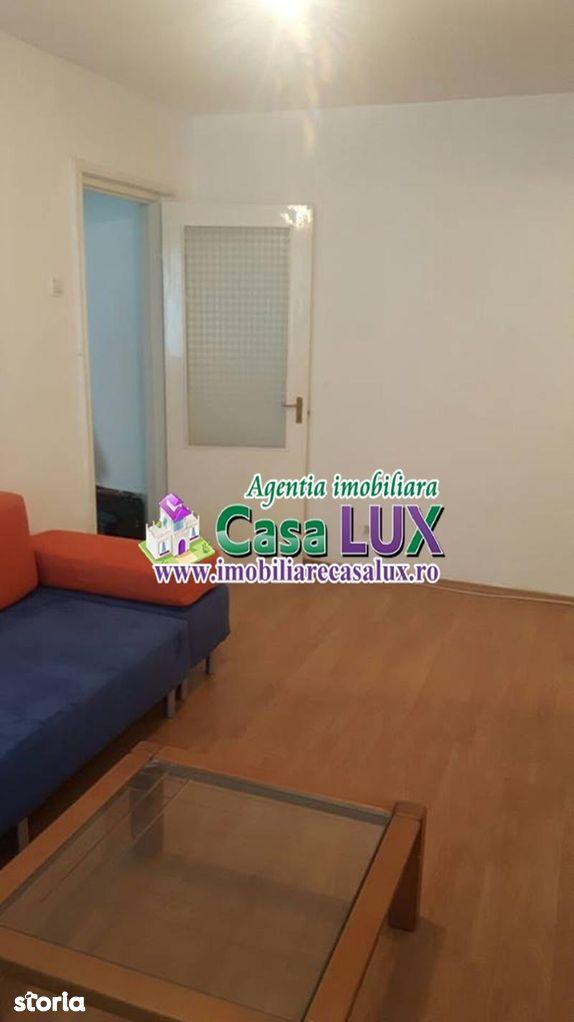 Apartament de inchiriat, Bacău (judet), Strada Bucegi - Foto 1
