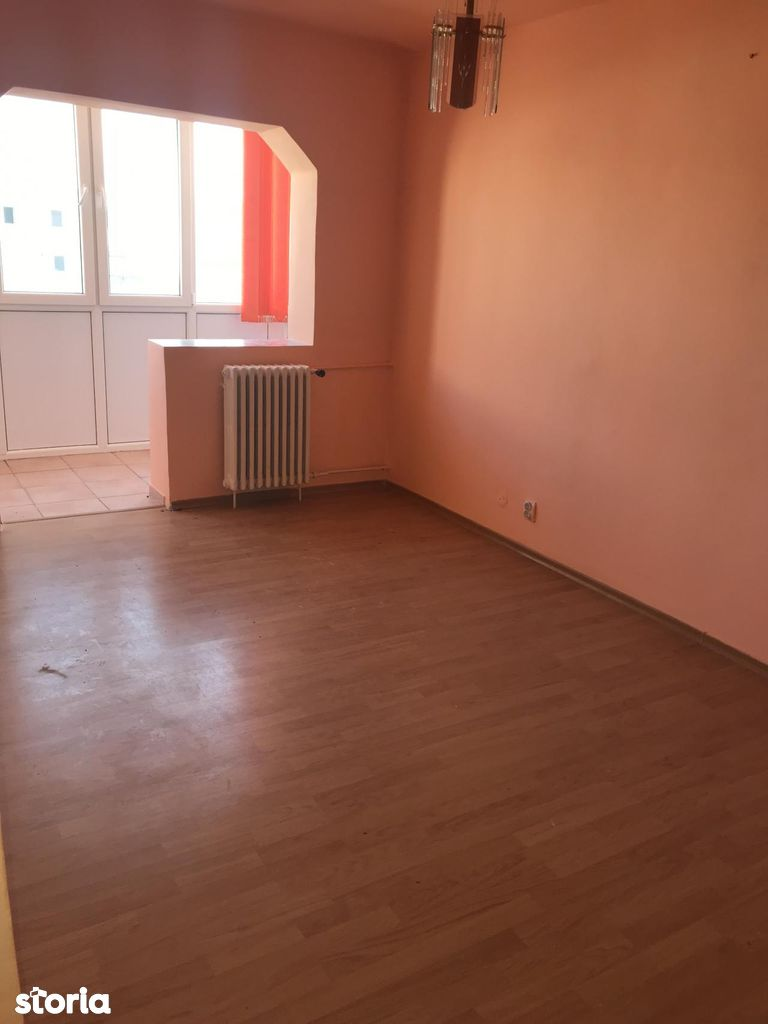 Apartament de vanzare, Arad (judet), Confecții - Foto 3