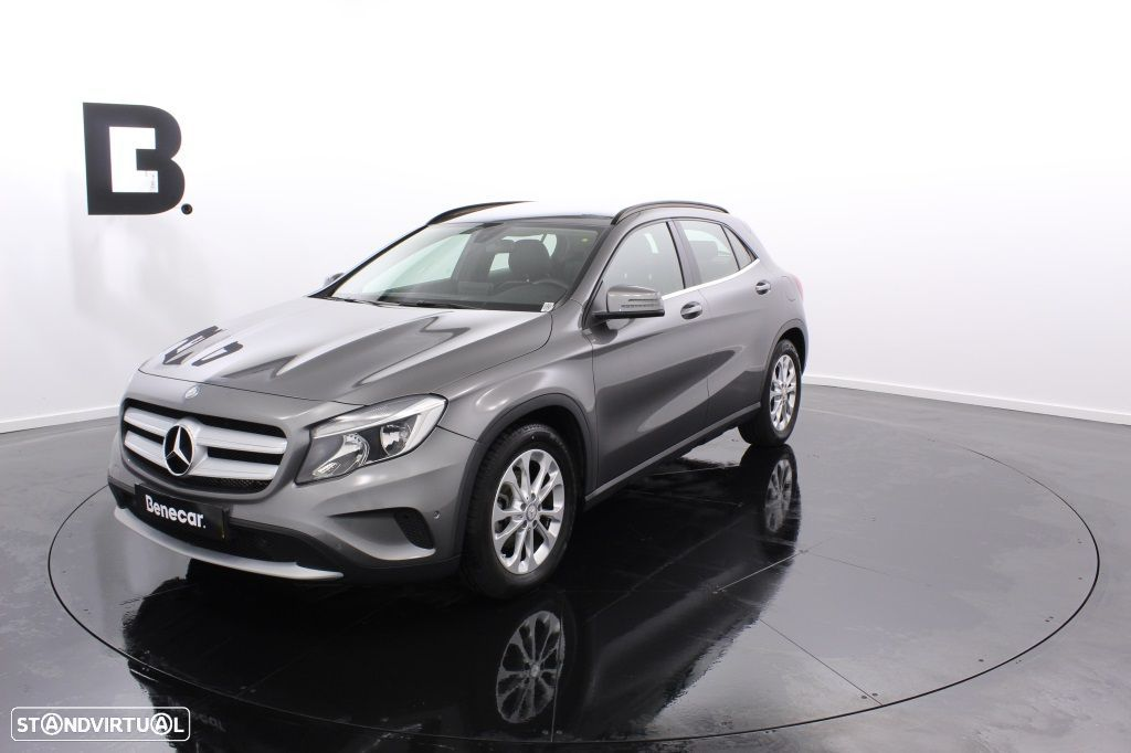 Mercedes-Benz GLA 180 Sport Utility Vehicle Style - 1