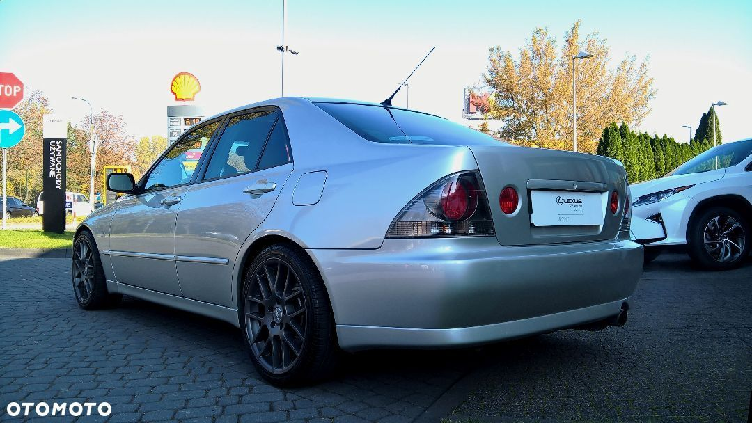 Lexus IS IS 300 - 10