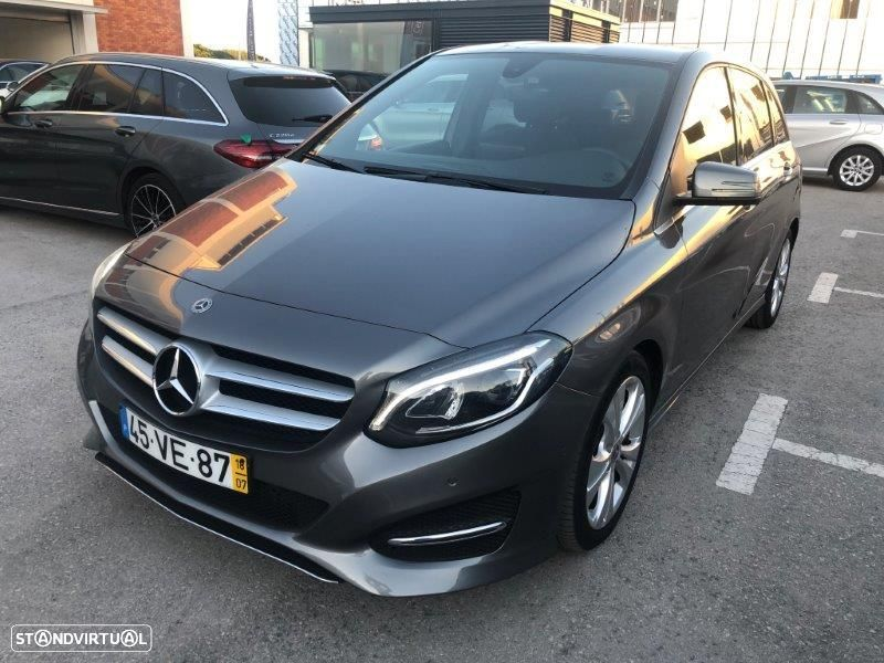 Mercedes-Benz B 180 D Urban - 2
