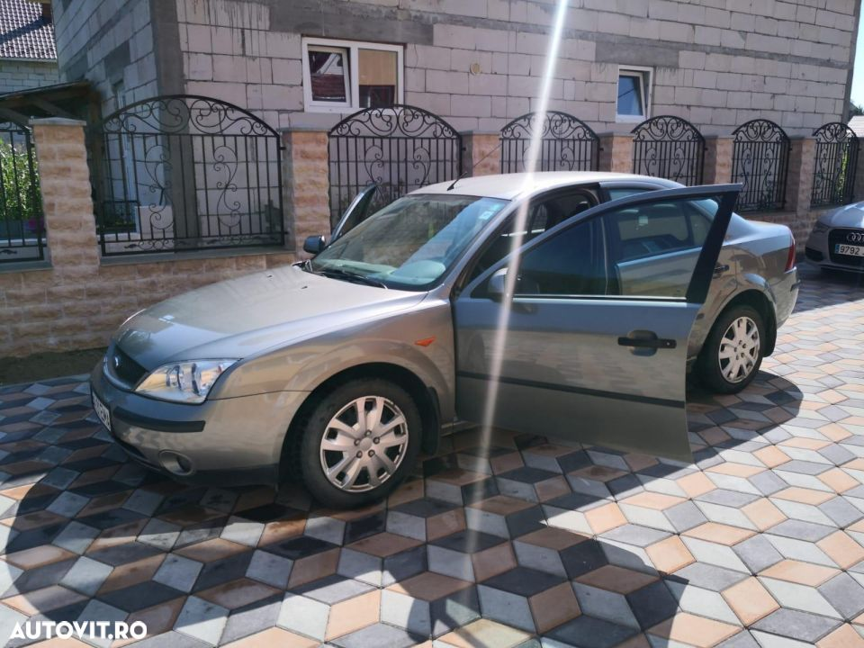 Ford Mondeo Mk2 - 2