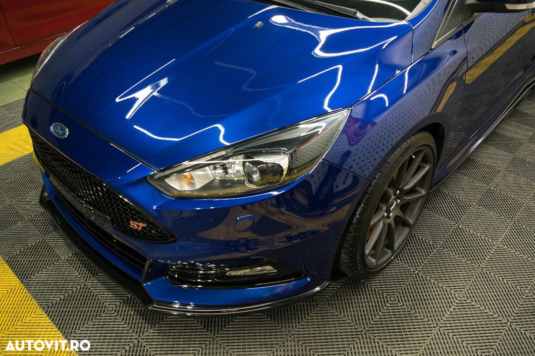 Ford Focus ST - 3