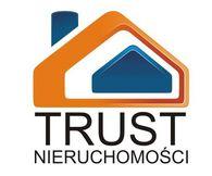To ogłoszenie dom na sprzedaż jest promowane przez jedno z najbardziej profesjonalnych biur nieruchomości, działające w miejscowości Łódź, Rokicie: TRUST Nieruchomości