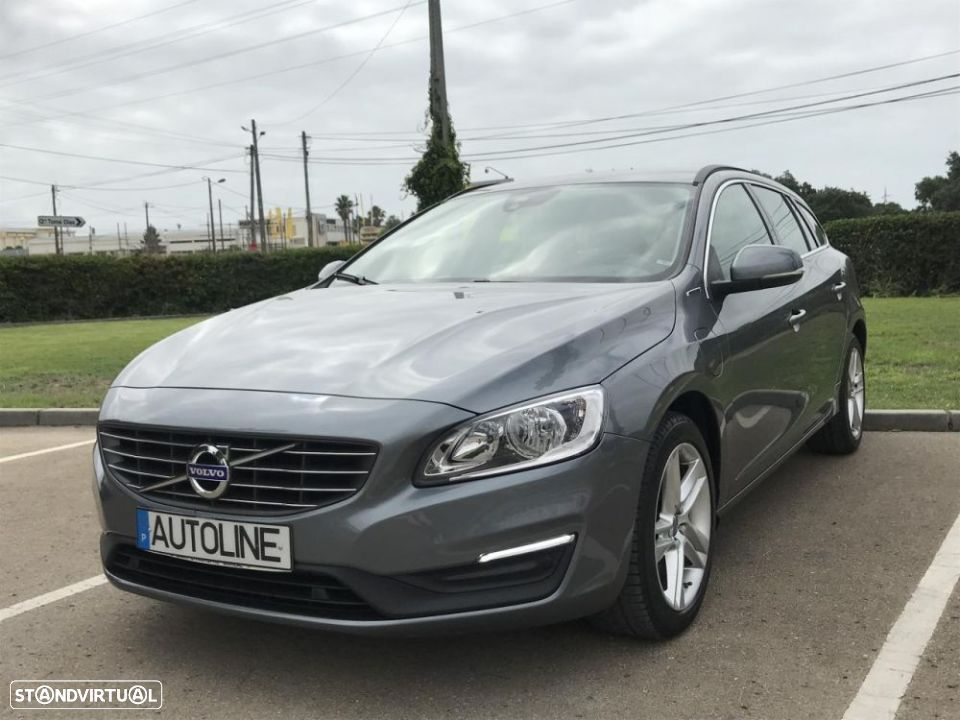 Volvo V60 D6 AWD Plug-in Hybrid Xenium Geartronic - 1