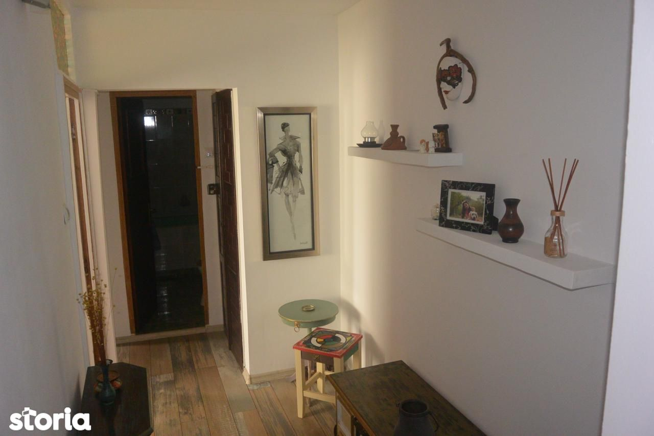 Apartament de vanzare, Argeș (judet), Traian - Foto 5