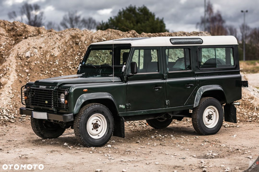 Land Rover Defender model 110 2.5D 122KM 9 osobowy 4x4 Reduktory RACING GREEN - 3