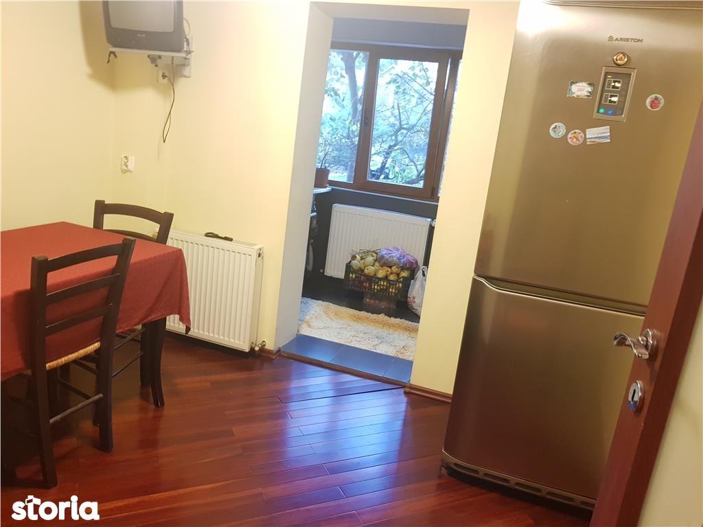 Apartament de vanzare, Argeș (judet), Strada Dacia - Foto 5