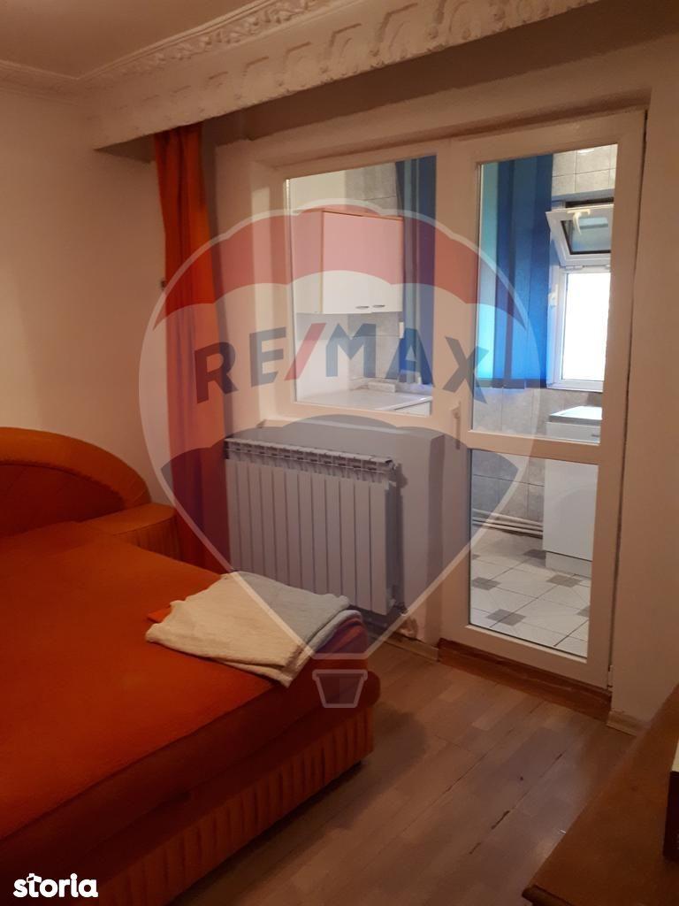 Apartament de vanzare, Vrancea (judet), Bulevardul București - Foto 4