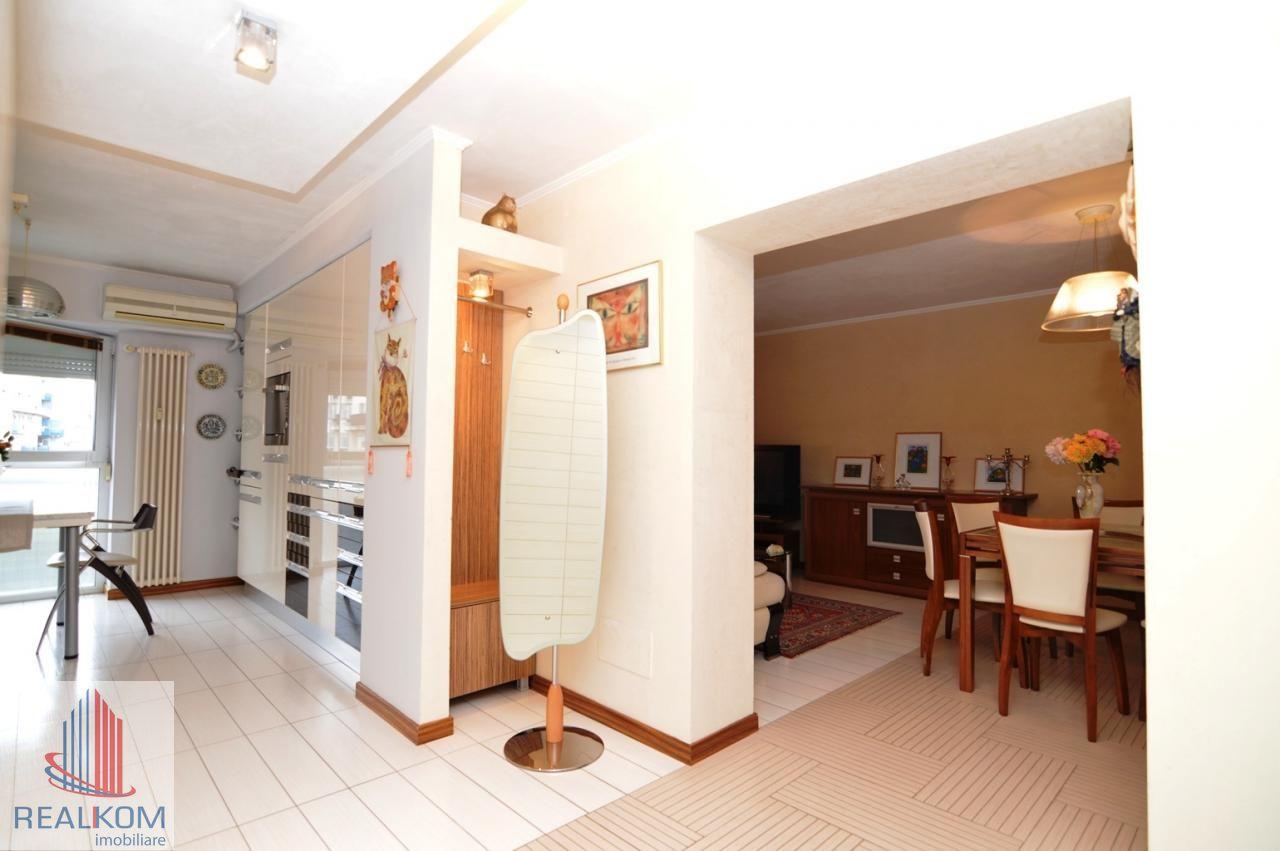 Apartament de inchiriat, București (judet), Strada Pilat Ion - Foto 14