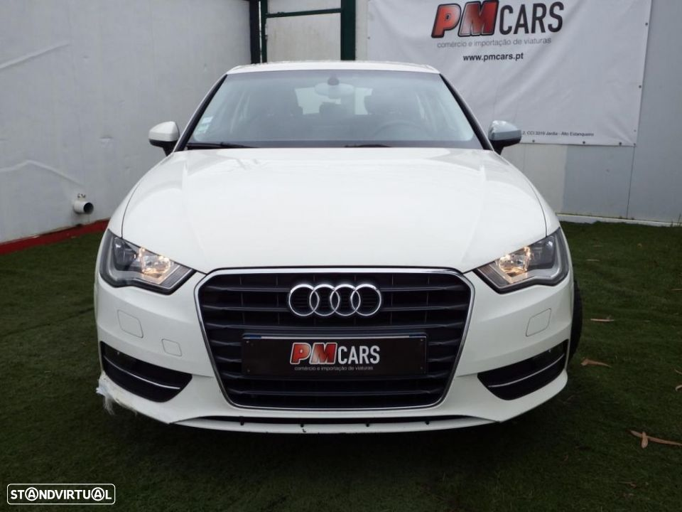 Audi A3 1.6 TDi Attraction - 4