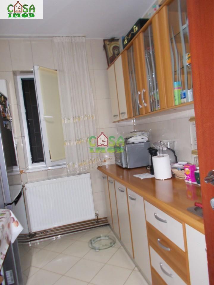 Apartament de vanzare, Dâmbovița (judet), Micro 9 - Foto 11