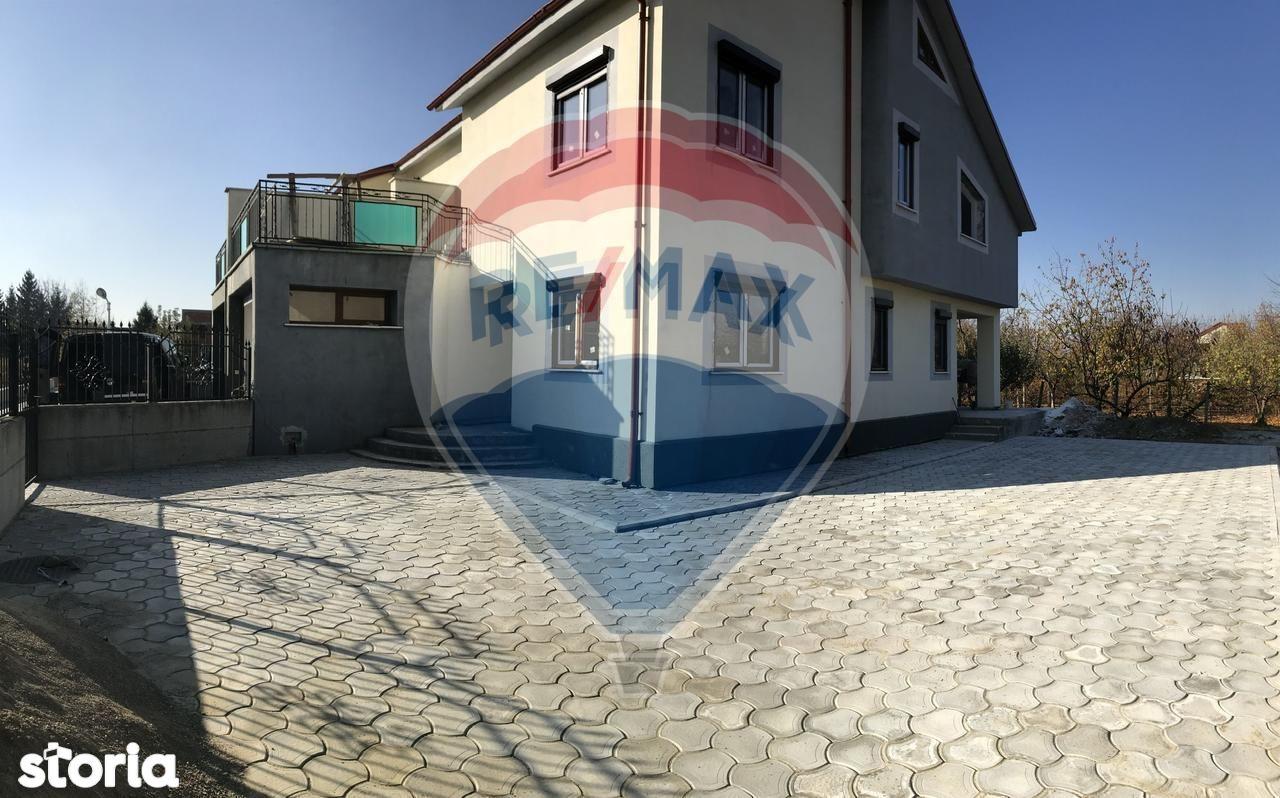 Casa de vanzare, Vrancea (judet), Strada Mugur - Foto 1