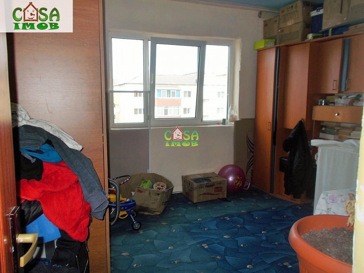 Apartament de vanzare, Dâmbovița (judet), Micro 11 - Foto 6