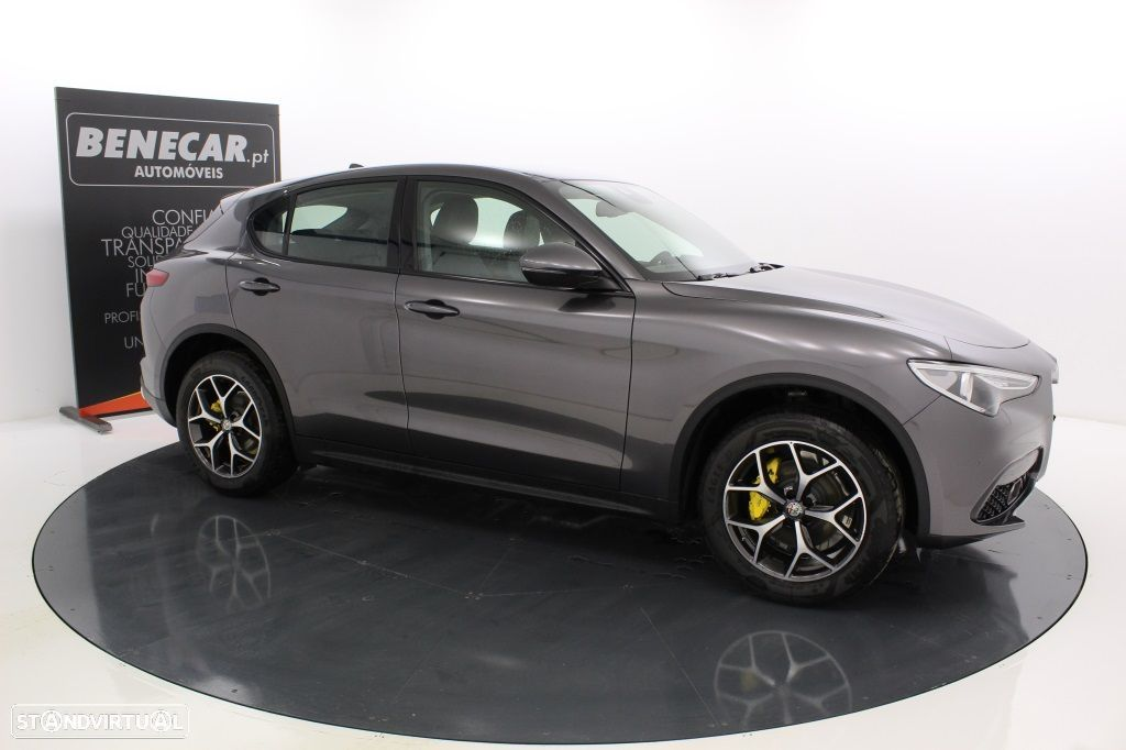 Alfa Romeo Stelvio 2.2 Turbo Q4 Super AT8 210cv Cx. Aut. GPS / Cam. Traseira - 10