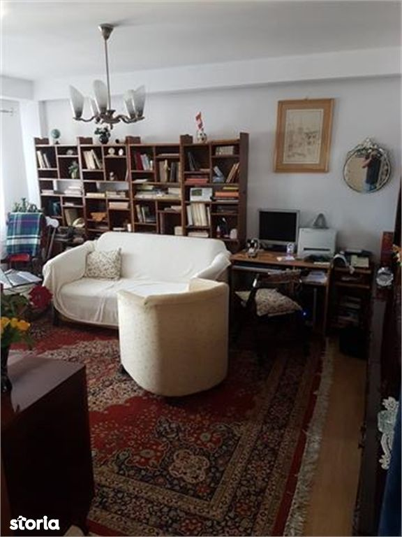 Apartament de vanzare, Sibiu (judet), Piața Sadu - Foto 1