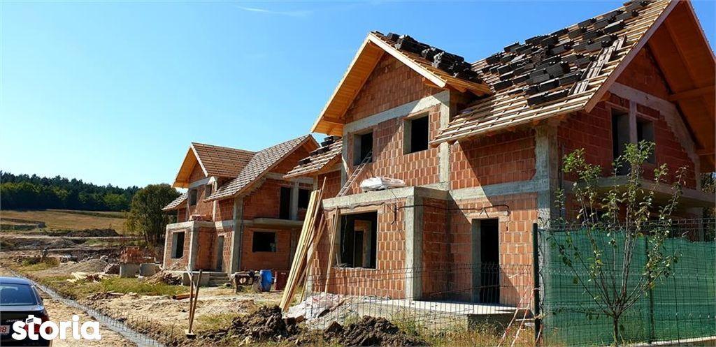 Casa de vanzare, Argeș (judet), Strada Lăbușești - Foto 1