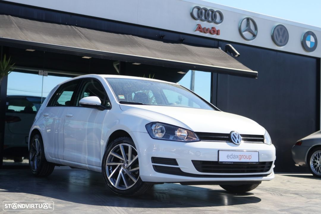 VW Golf 1.6 TDi Highline (NACIONAL) - 1