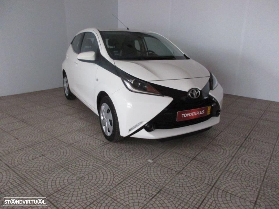 Toyota Aygo 5P 1.0 x-play + AC + x-touch - 3