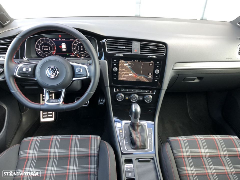 VW Golf GTI DSG Dynaudio Navi ActiveInfo - 10