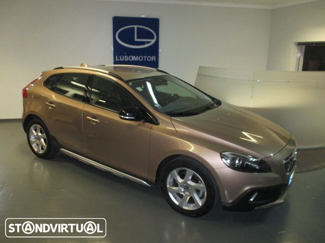 Volvo V40 Cross Country 1.6 D2 Momentum GPS 115 CV - 1
