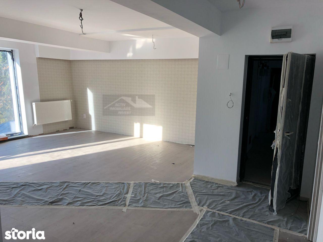 Apartament de vanzare, Argeș (judet), Centru - Foto 2