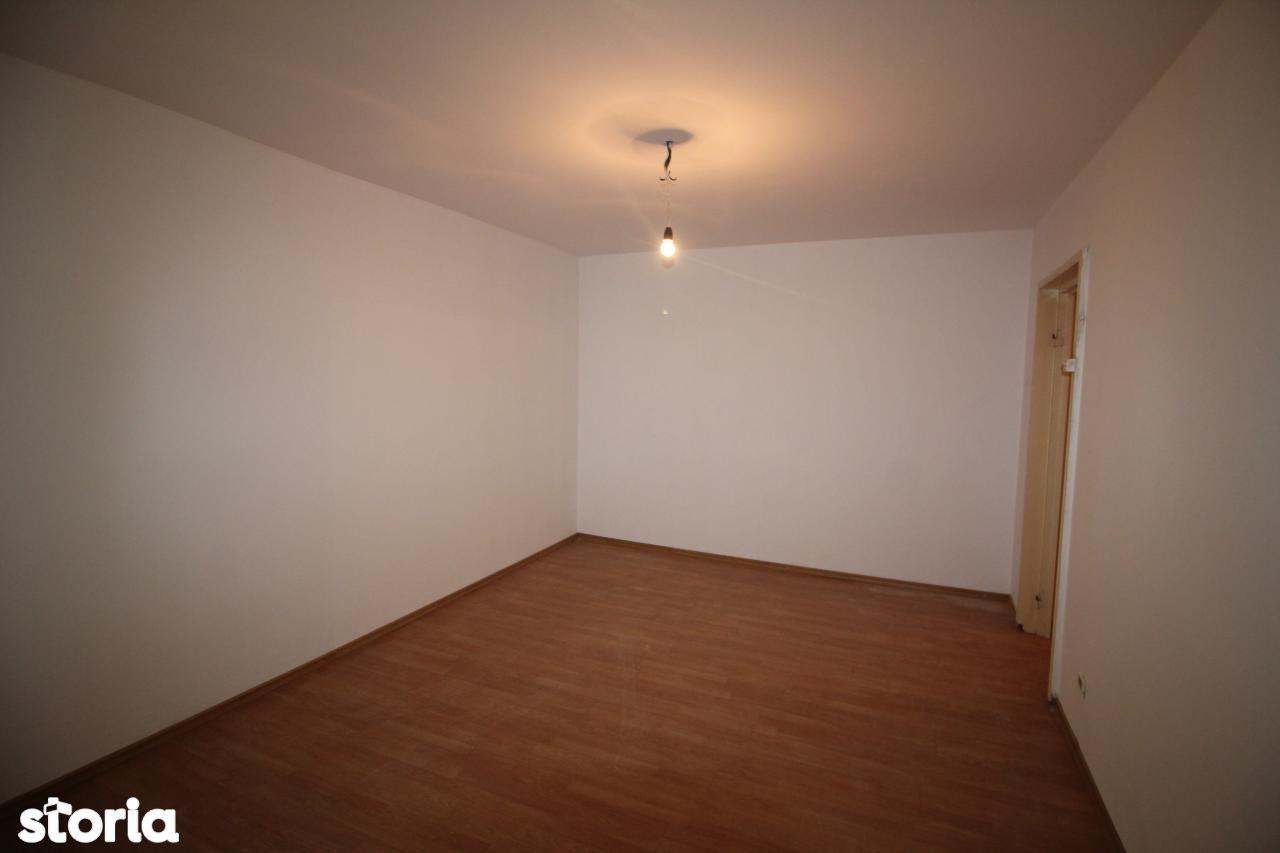 Apartament de vanzare, Bacau, Alecu Russo - Foto 1