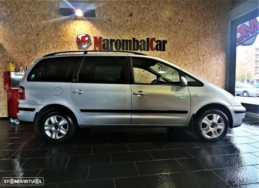 Ford Galaxy 1.9 TDI Ghia Auto - 2