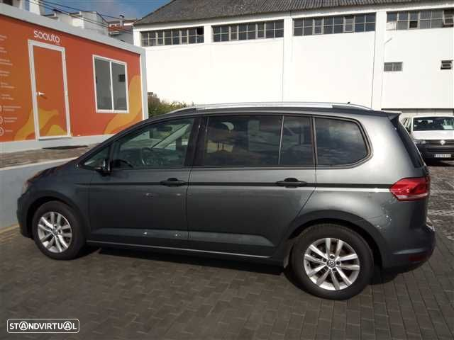 VW Touran 1.6 TDI Confortline - 9