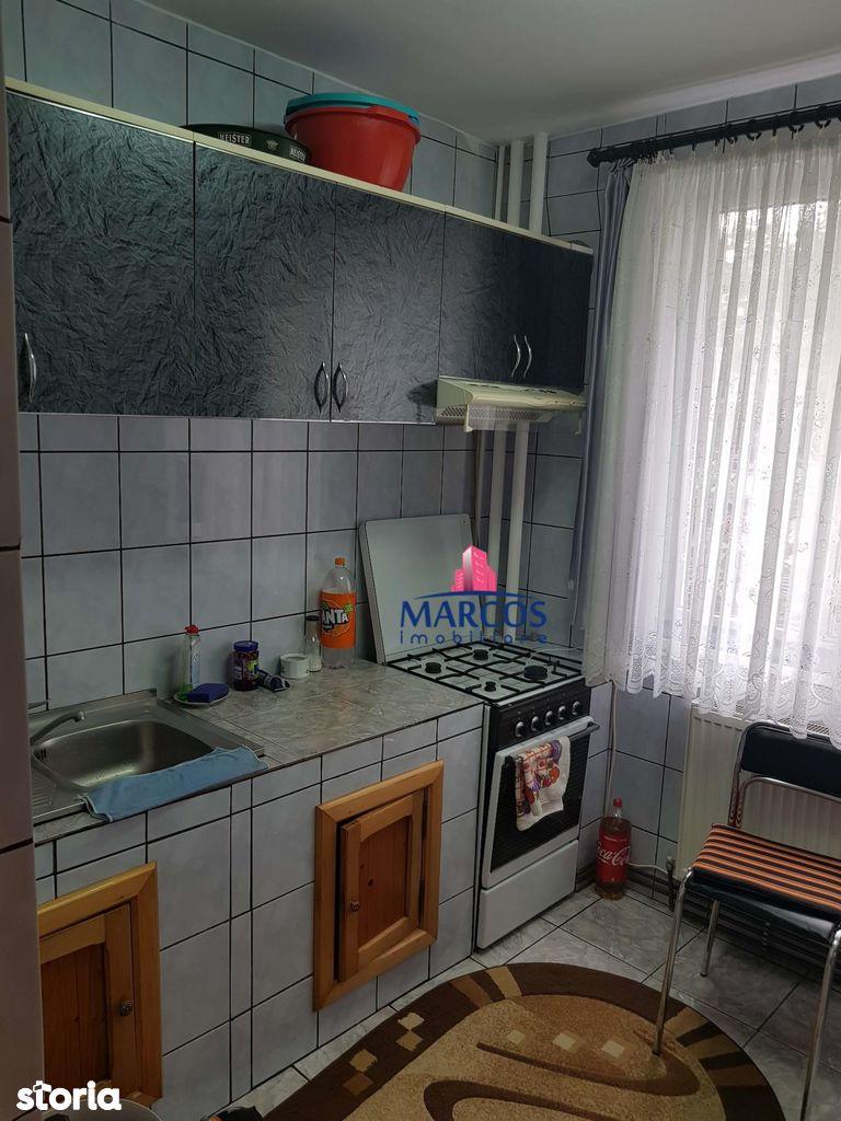 Apartament de vanzare, Caraș-Severin (judet), Reșița Română - Foto 4