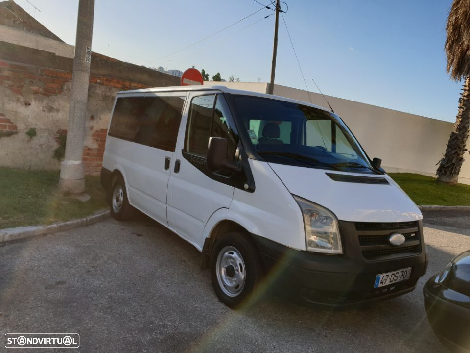 Ford Transit 9Lugares A/C - 2