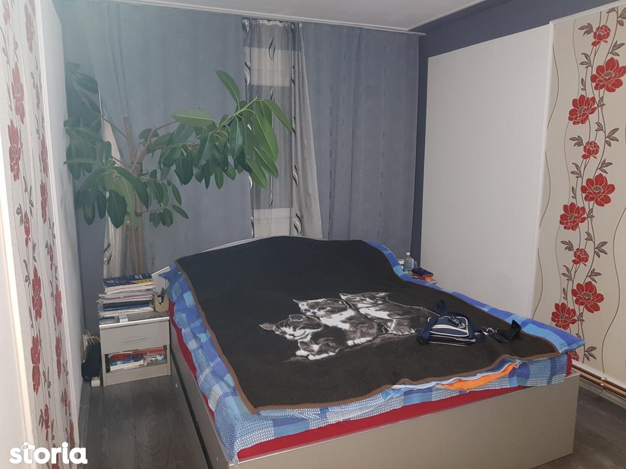 Apartament de vanzare, Caraș-Severin (judet), Reşiţa - Foto 2