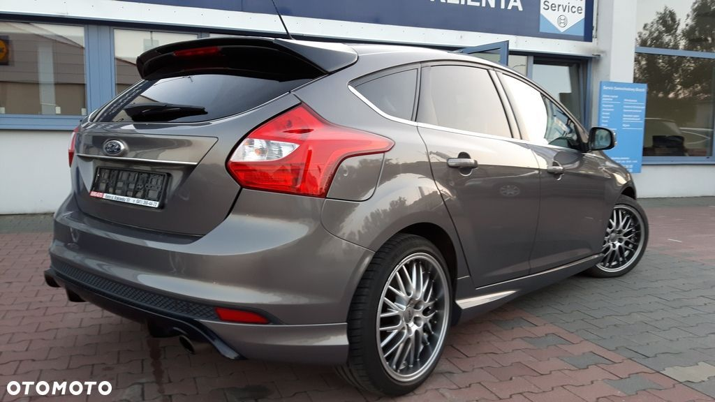 Ford Focus 1.6 benzynowy ( Eco Boost) 150 KM , wersja INDIVIDUAL - 3