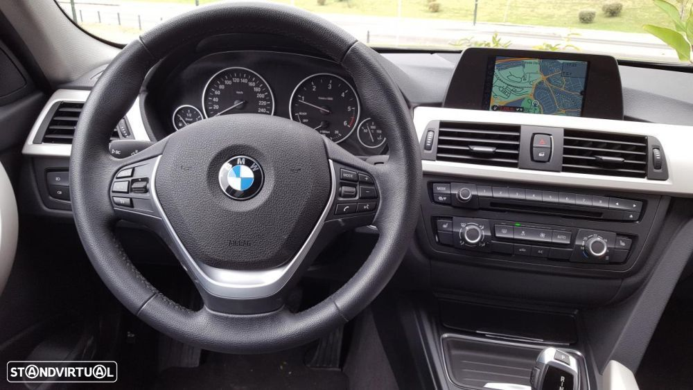 BMW 325 d Touring Pack M - 12