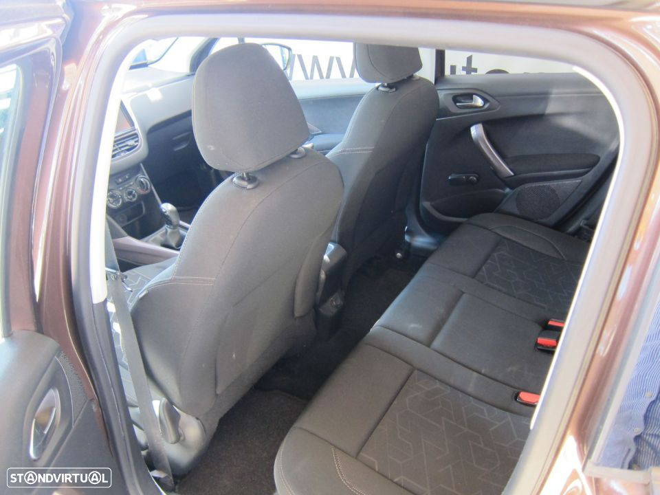 Peugeot 2008 1.4 HDi Active - 20