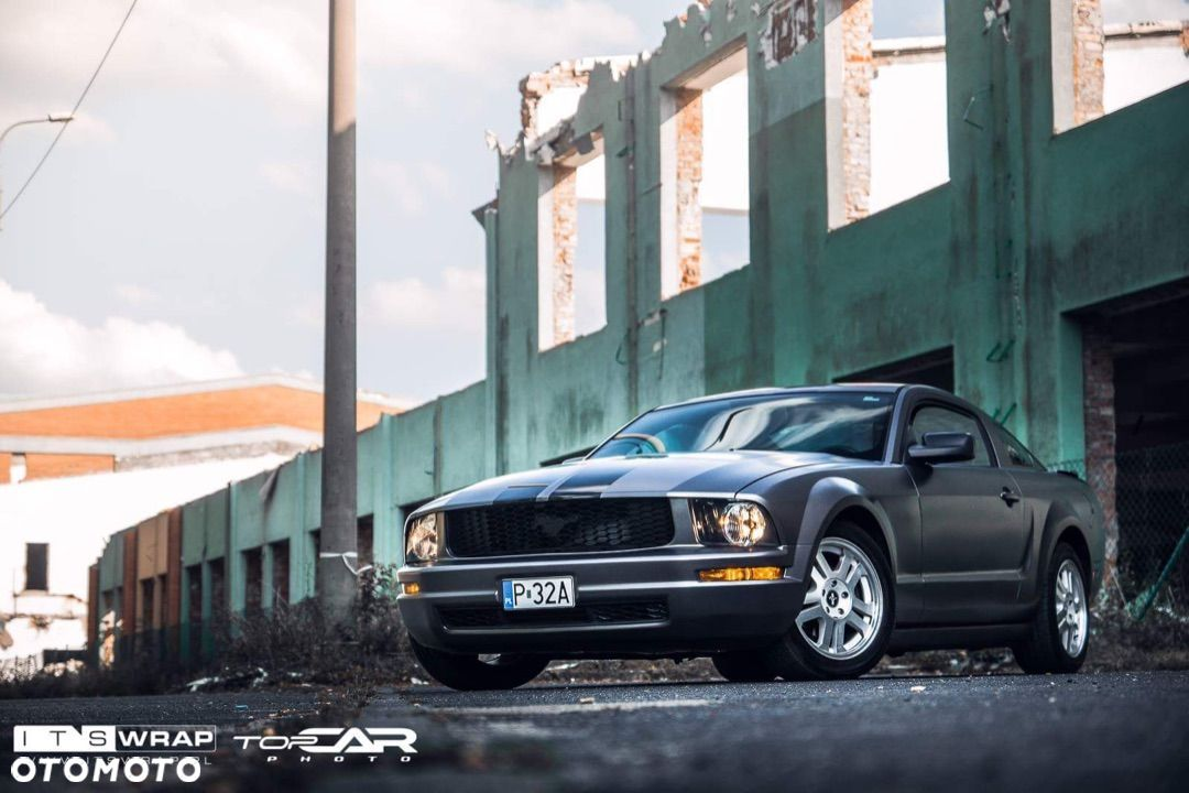 Ford Mustang - 8