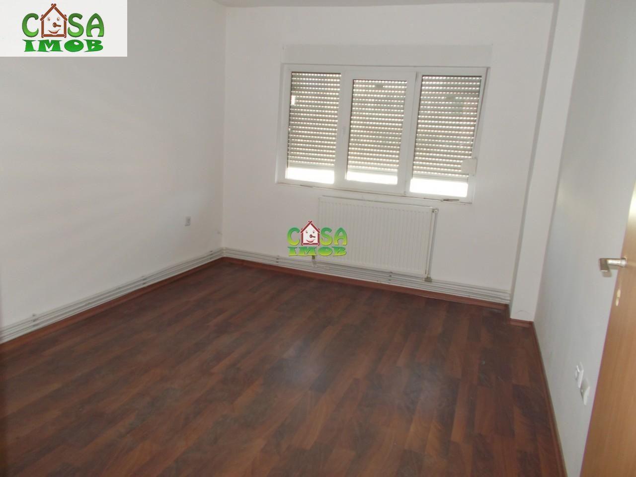 Apartament de vanzare, Dâmbovița (judet), Micro 6 - Foto 6