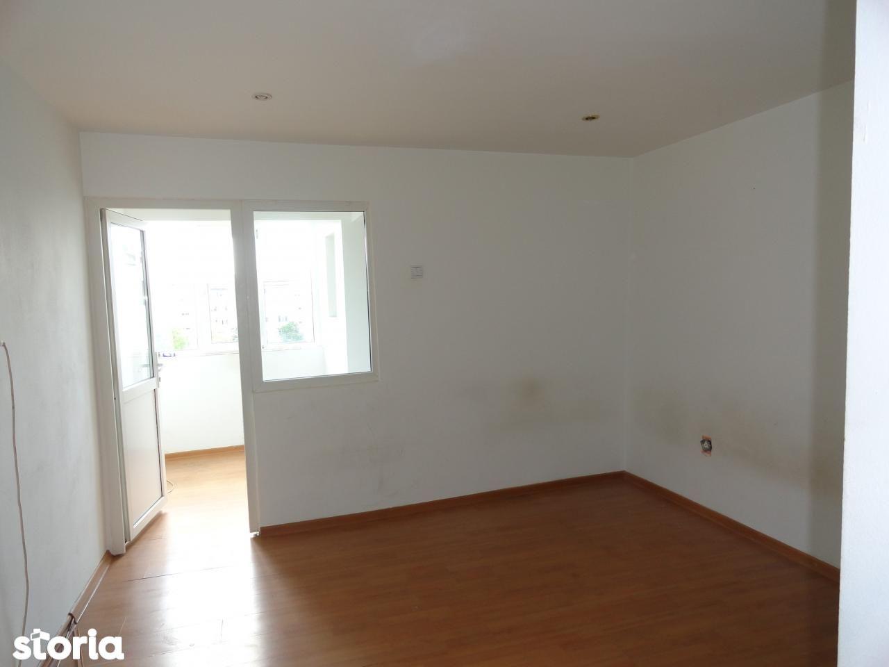 Apartament de vanzare, Bacau, Milcov - Foto 1