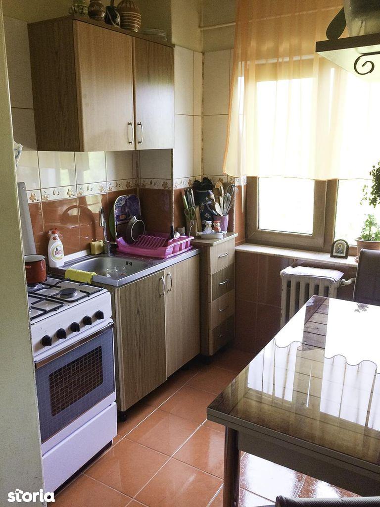 Apartament de vanzare, Argeș (judet), Bulevardul Libertății - Foto 4