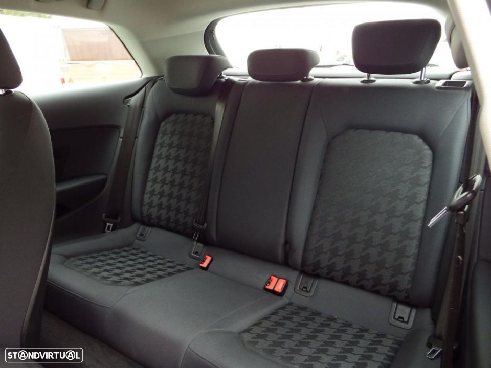 Audi A3 1.6 TDi Attraction - 24