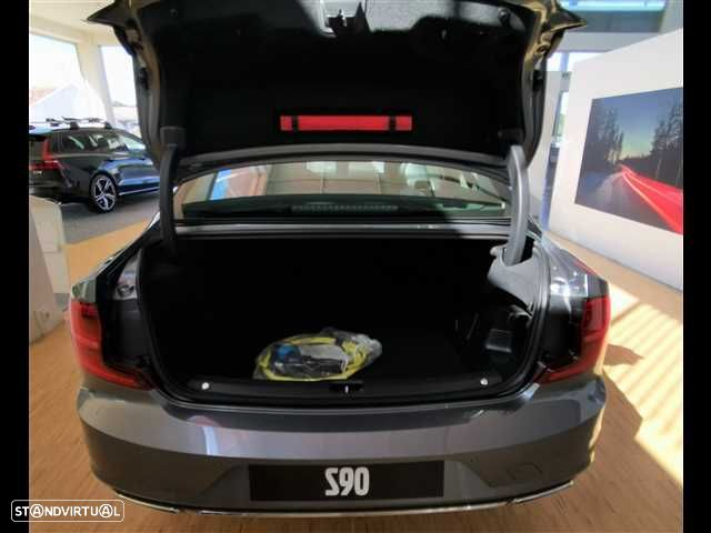 Volvo S90 2.0 T8 Momentum AWD Geartronic - 7