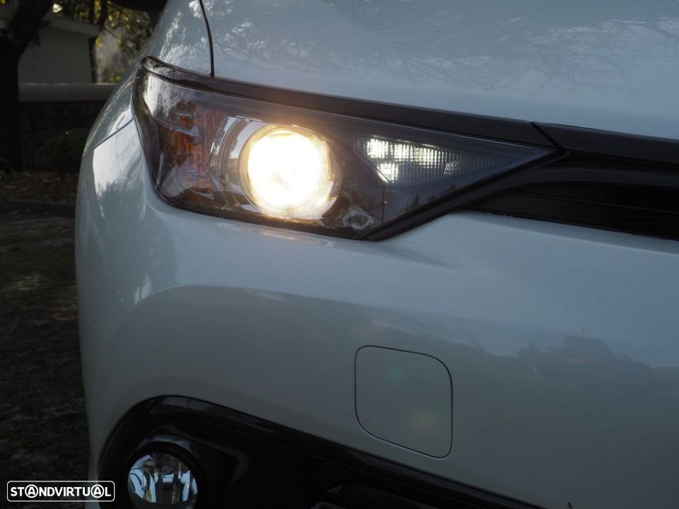 Toyota Auris HB 1.8 Hybrid SQUARE Collection - 4
