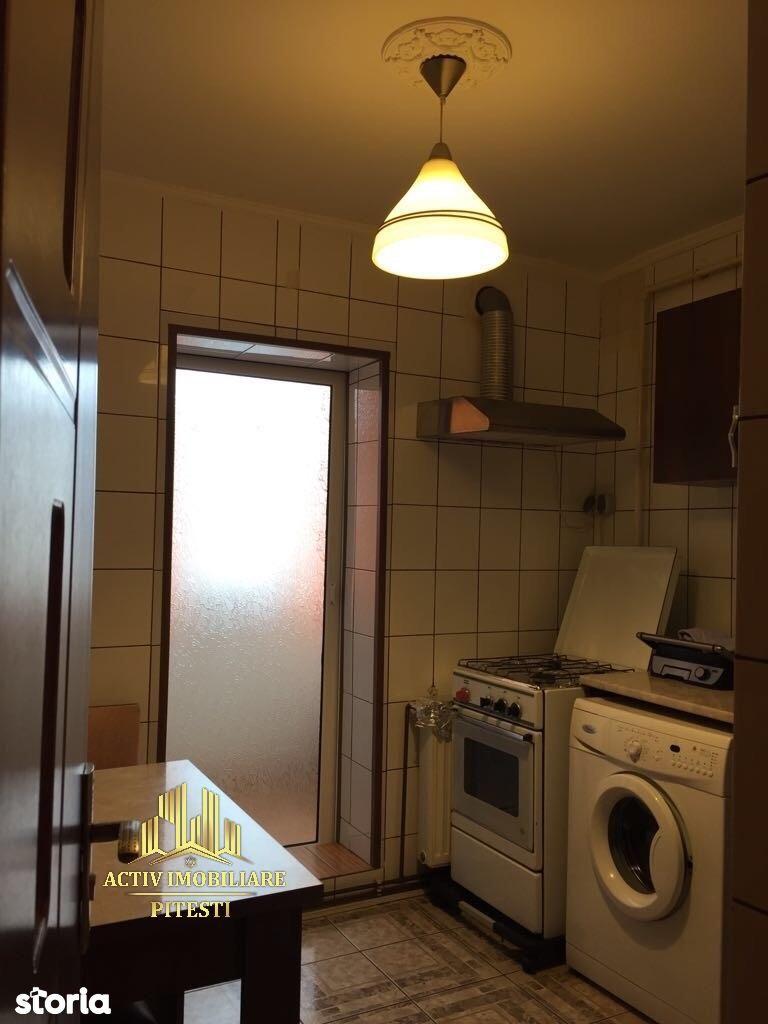 Apartament de vanzare, Argeș (judet), Calea București - Foto 1