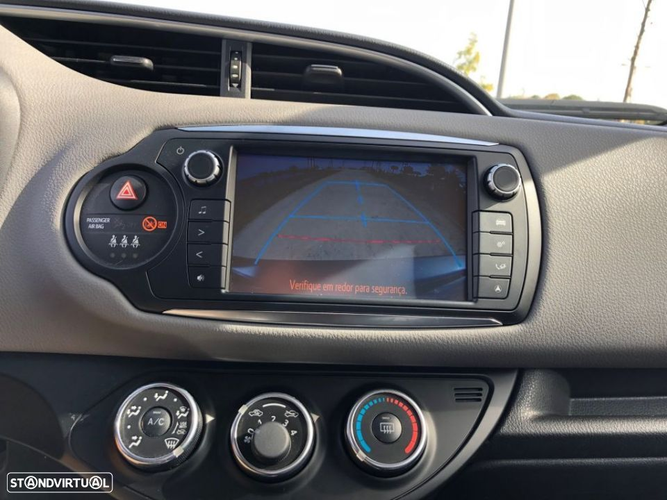 Toyota Yaris 1.4D 5P Comfort + Pack Style - 15