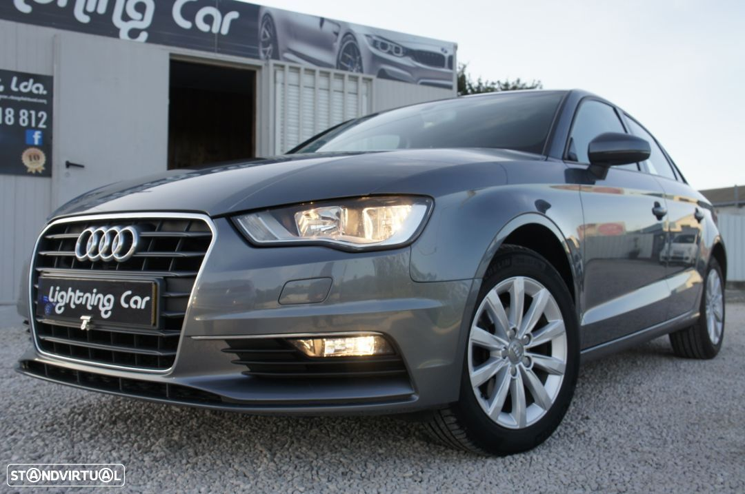 Audi A3 Limousine 1.6 TDi Attraction - 2