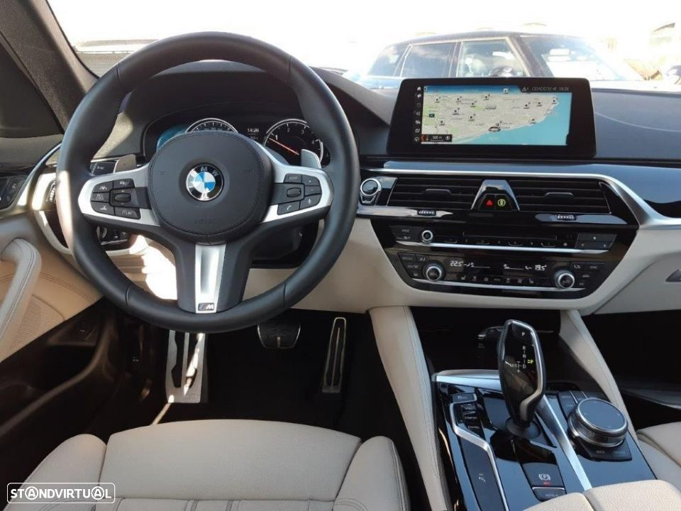 BMW 530 d Touring Auto Pack M - 5