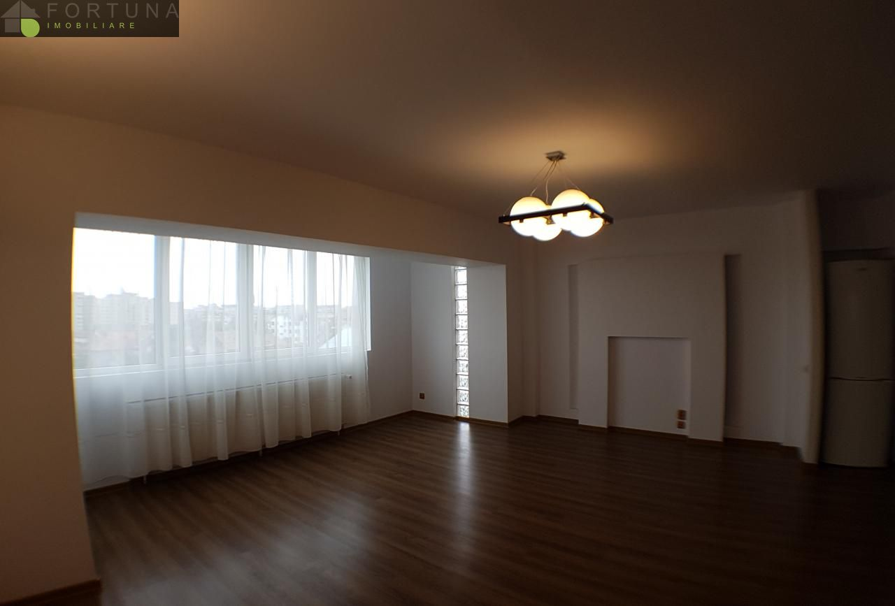 Apartament de inchiriat, Brașov (judet), Tractorul - Foto 1